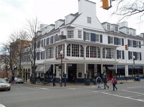 corner room state college state college pa who s open closed for state patty s day 2012 bars restaurants set their