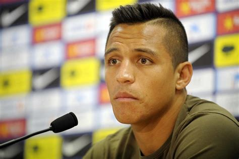 alexis sanchez haircut we re back get your teeth into this gooner girls podcast