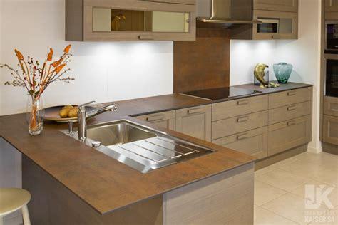 plan de travail cuisine ceramique prix marbrerie kaiser sa plan de travail de cuisine en c 233 ramique