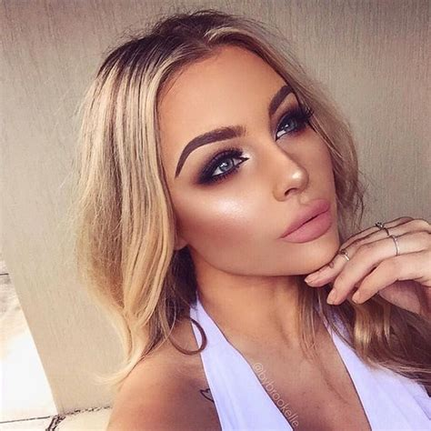 10 Best Eyeshadows For Summer by 10 Best Products To Achieve The Summer Glow
