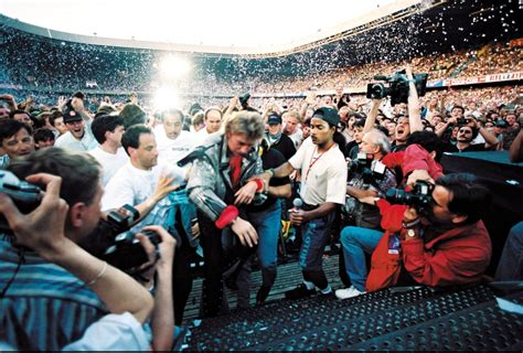 johnny hallyday parc des princes johnny hallyday toute sa carri 232 re en 74 photos closer