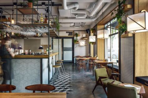 lada bottiglia vetro industrial design style find out this bar restaurant in
