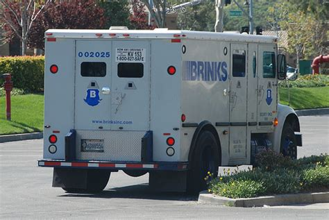 truck guard http www pic2fly brinks armored truck