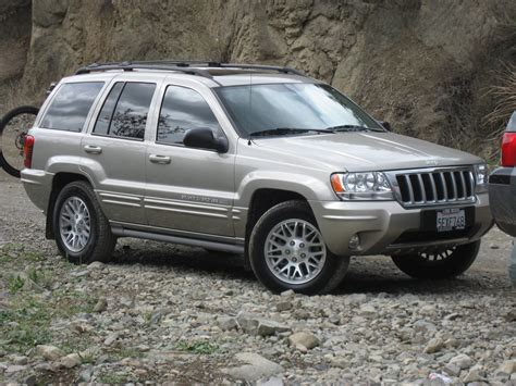 Jeep Cherokee 2004 Review Images