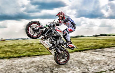 best bike stunts world s best motor freestyler bike stunt troger mokus