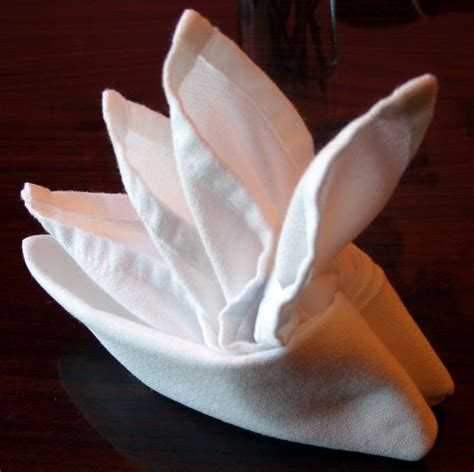 How To Make A Paper Napkin - folding cloth table napkins