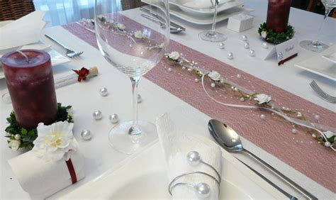 Mustertische Hochzeit Dekoration by Mustertisch In Rot Zur Hochzeit Kommunion Oder Konfirmation