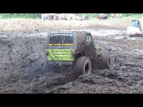 bentley lake mud bog green jeep mudding at bentley lake road mud bog