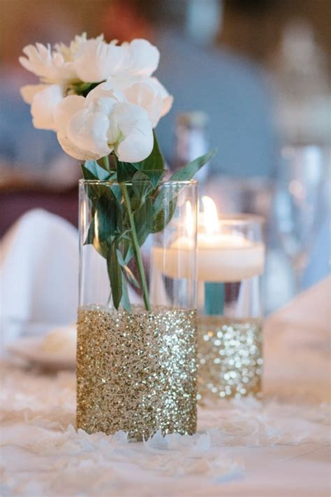 Vase Wedding Centerpieces by 25 Best Ideas About Vase Centerpieces On