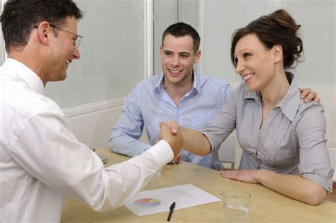 Meets With Lawyer by Property Buyers Should Be Aware Of Real Estate Lawyers