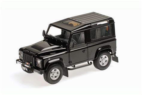 Land Rover Defender 90 Car Model In Scale 1 18 White Two Spare Tire 2 kyosho 1 18 land rover defender diecast model car 08901bk