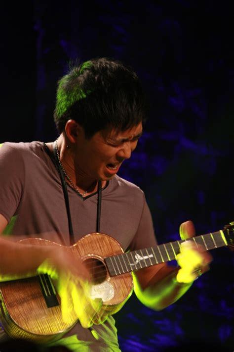 ukulele lessons jake shimabukuro 17 best images about ukulele musician jake shimabukuro on