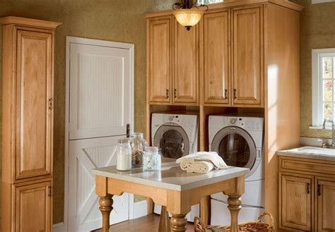 15 Creative Laundry Room Design with Wooden Furniture