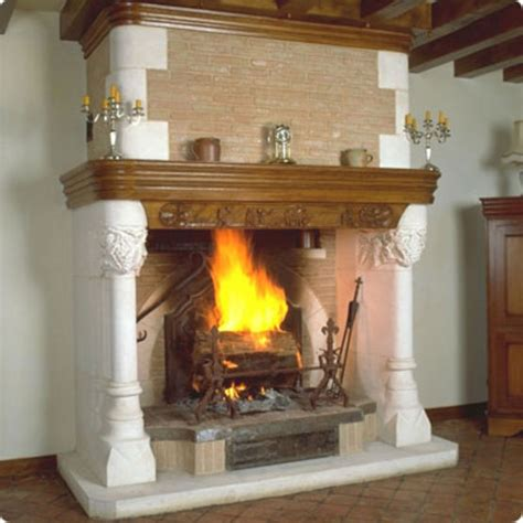 Cheminee Magnan by Chemin 233 E 224 Foyer Bas Et Hotte En Briques Rouges