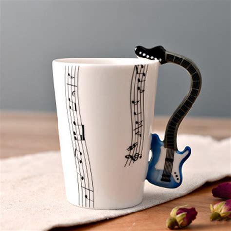 cangkir keramik bergagang lucu model gitar white jakartanotebook