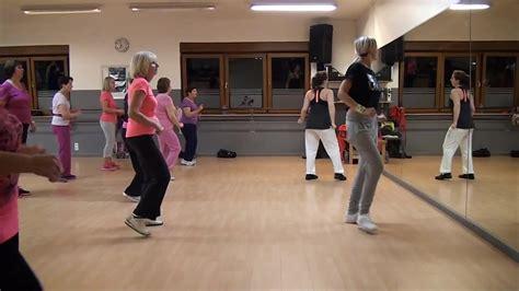 zumba steps bailando zumba gold flamenco enrique iglesias bailando zumba lige