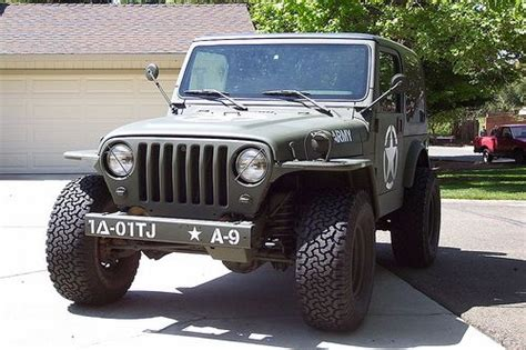 jeep wrangler army im loveing the quot new vintage quot look to this 2001 tj jeep