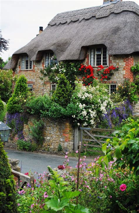 the english cottage english cottage garden cool gardens pinterest