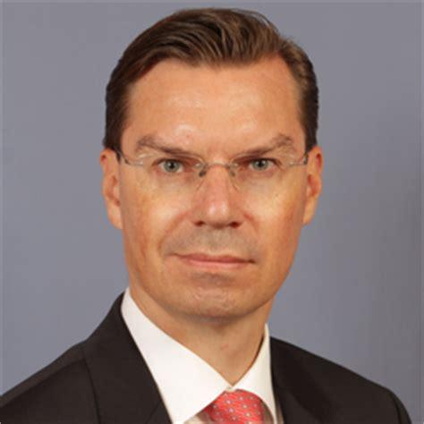 mizuho bank frankfurt dirk huebner senior director corporate finance
