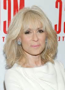haircut for 60 year with medium length hair judith light latest textured medium haircut with layers