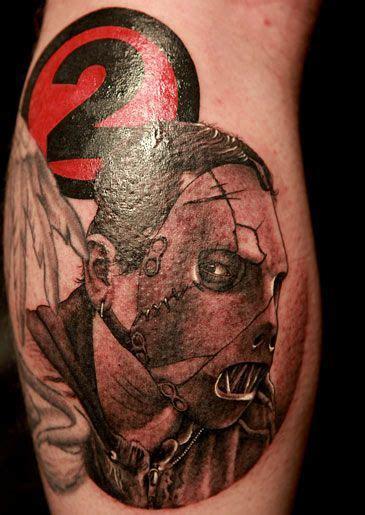 slipknot tattoos corey taylo s leg and paul gray s tattoos