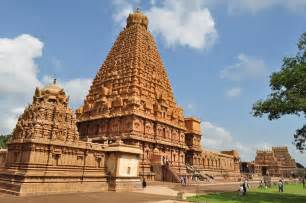 top 20 most beautiful temples in india file brihadeeswarar temple view 1 jpg wikimedia commons