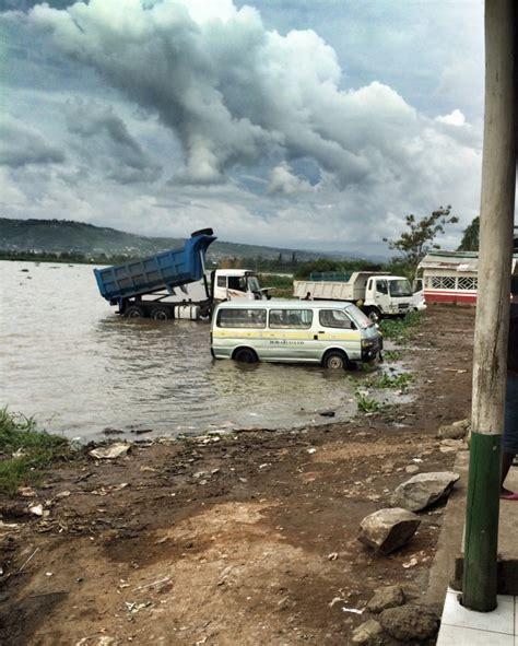 Sonntags Auto Waschen by Autowaschen Wie In Kenia Colorfulcities De