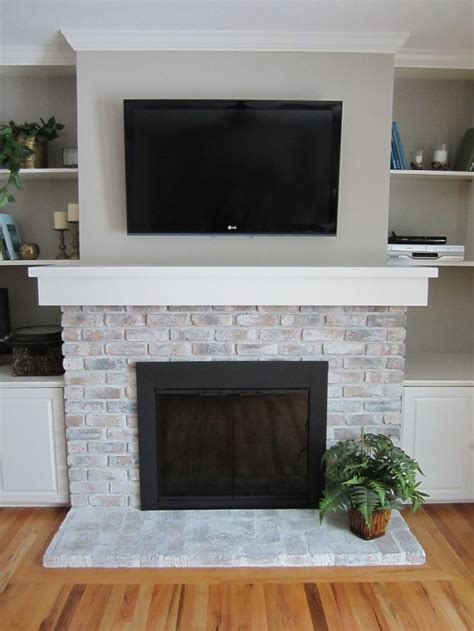 Best Paint For Fireplace Brick by 25 Best Ideas About Brick Fireplace Makeover On
