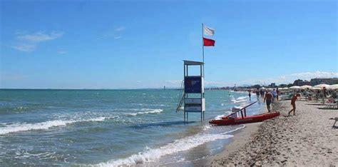 Bagno Marittima by Spiagge Di Marittima Libere Attrezzate