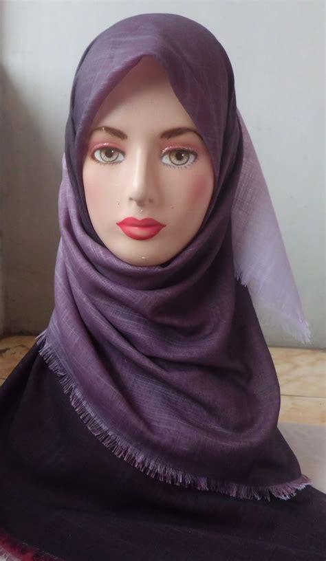 Jilbab Bolak Balik 2 In 1 Warna Emas Hitam L jilbab bolak balik polos gradasi 4 warna grosir jilbab bolak balik grosir jilbab tie rack