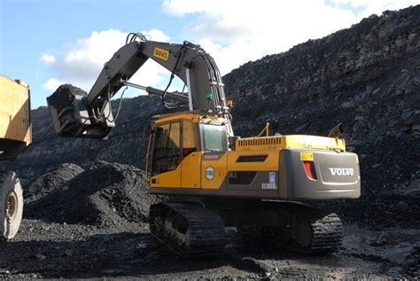 volvo ecds scoop black gold  banks mining