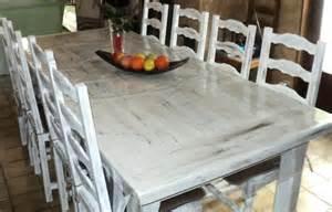 peinture sur table en bois et chaises cr 233 ations peinture