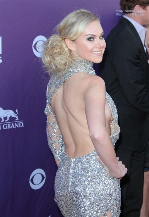 Country Style Drapes Laura Bell Bundy Loose Up Style Off Center And With The