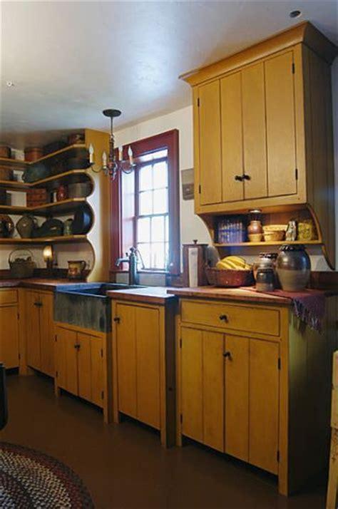 primitive kitchen furniture 25 best ideas about primitive kitchen on diy cleaning home appliances