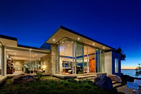 dramatic modern house by site modern residence in california opened towards a dramatic