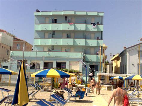 hotel piccolo fiore igea marina hotel sul mare a viserba di rimini costa romagnola