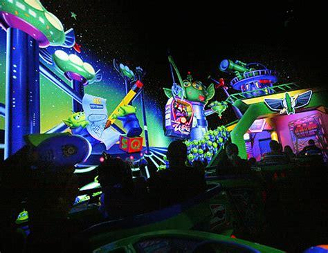 Laser Light Sepeda By Mr Pan disneyland tomorrowland buzz lightyear s astro blasters