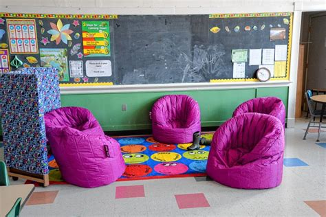 Bean Bags Hillcrest Some Parents Experts Question Calm Rooms In Schools