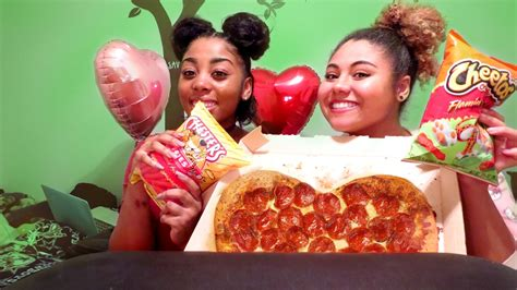 Maxi Gamis Brownis junk food pepperoni pizza cheetos and brownies v day