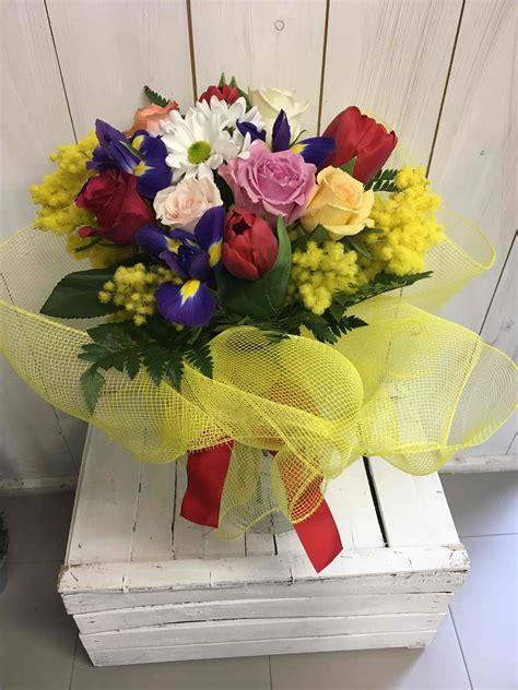 mazzo di fiori con mimose mazzo di fiori con mimosa fiorista cilloni reggio emilia