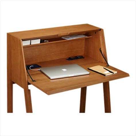 25 desks for your study space