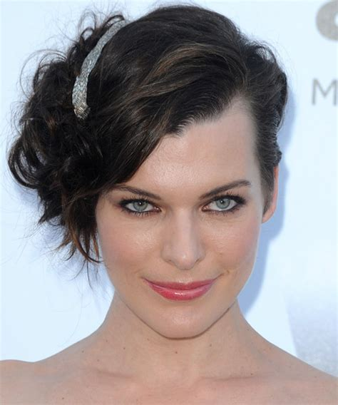 easy to manage wavy hairstyles milla jovovichs hairstyle easy to manage curly hairstyles