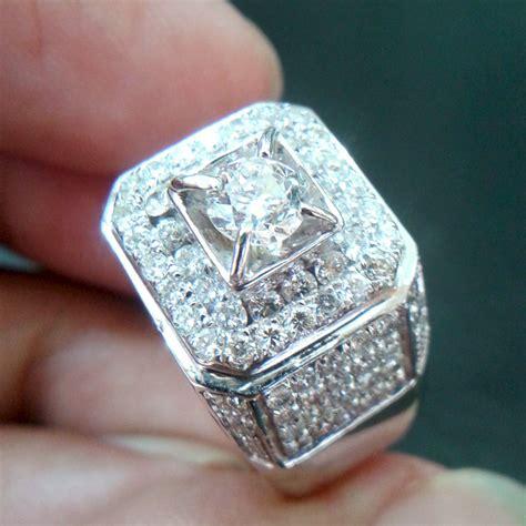 Cincin Emas Putih Mata Dan Keliling Berlian Eropa jual beli cincin pria mata 0 55 carat berlian eropa 0243