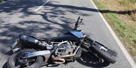 Motorrad Unfall Tod by 30 J 228 Hriger F 228 Hrt Mit Geklautem Motorrad In Den Tod