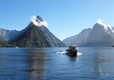 milford sound fiord tour excursion and cruise through - Fjord Queenstown