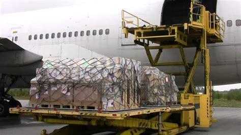 orebro airport cargo operations