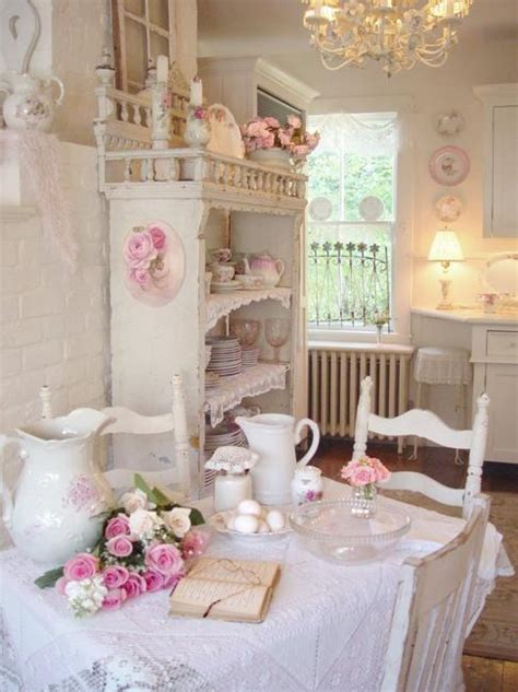 shabby chic decorating ideas and interior design in vintage style