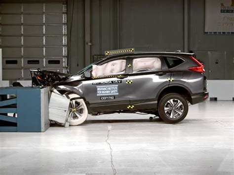 Honda Cr V Safety 2017 Honda Cr V Receives Top Safety Ratings From Iihs