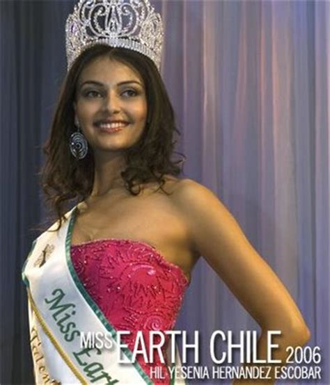 Miss Chile Hil Yesenia Hernandez Escobar Crowned Miss Earth 2006 by Miss Earth Hil Yesenia Hernandez
