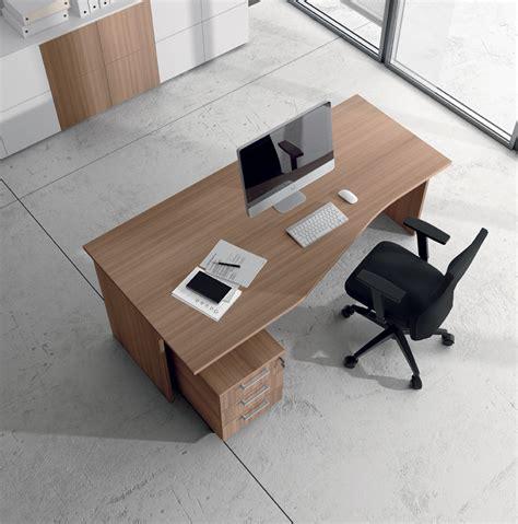 scrivania sagomata scrivania struttura legno arredo ufficio operativo